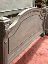 Weathered Gray Queen Bed