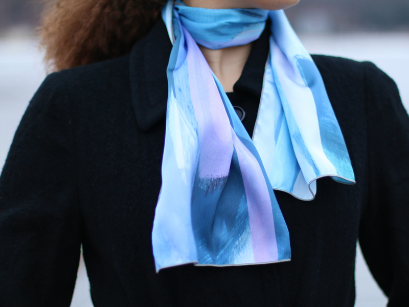 3 Easy Ways to Wear a Small Scarf