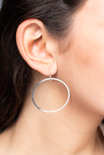 CLASSIC FLAT HOOP EARRINGS IN SILVER