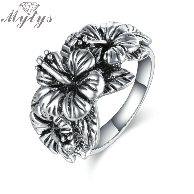 Mytys Women's Antique Silver Hibiscus Flower Ring