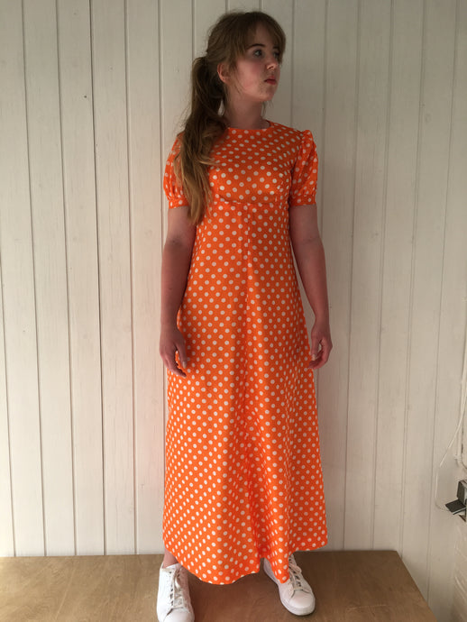 Orange transparent maxi-kjole m prikker, S