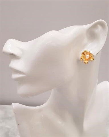 Scalloped Petal Pearl Flower Studs