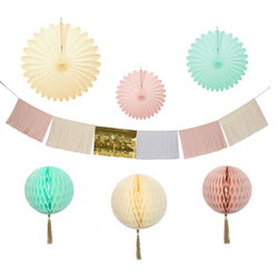 Pastel Decorating Kit Garland