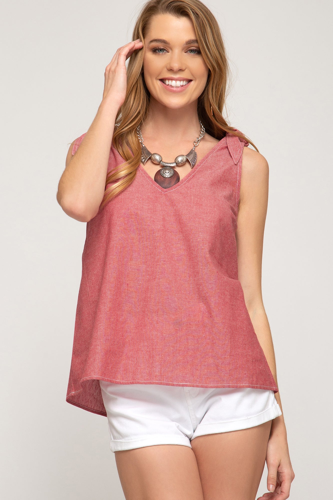Nicole Sleeveless Top in Red
