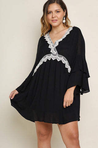 Erin PLUS Lace Sleeveless Cardigan in Black