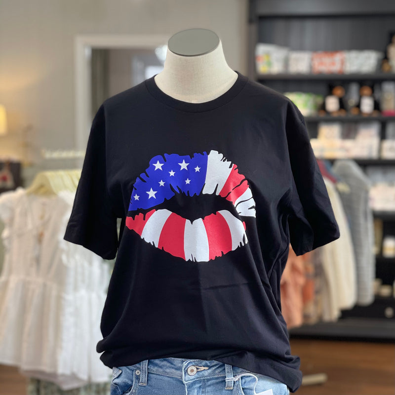 USA Lips T-Shirt in Black
