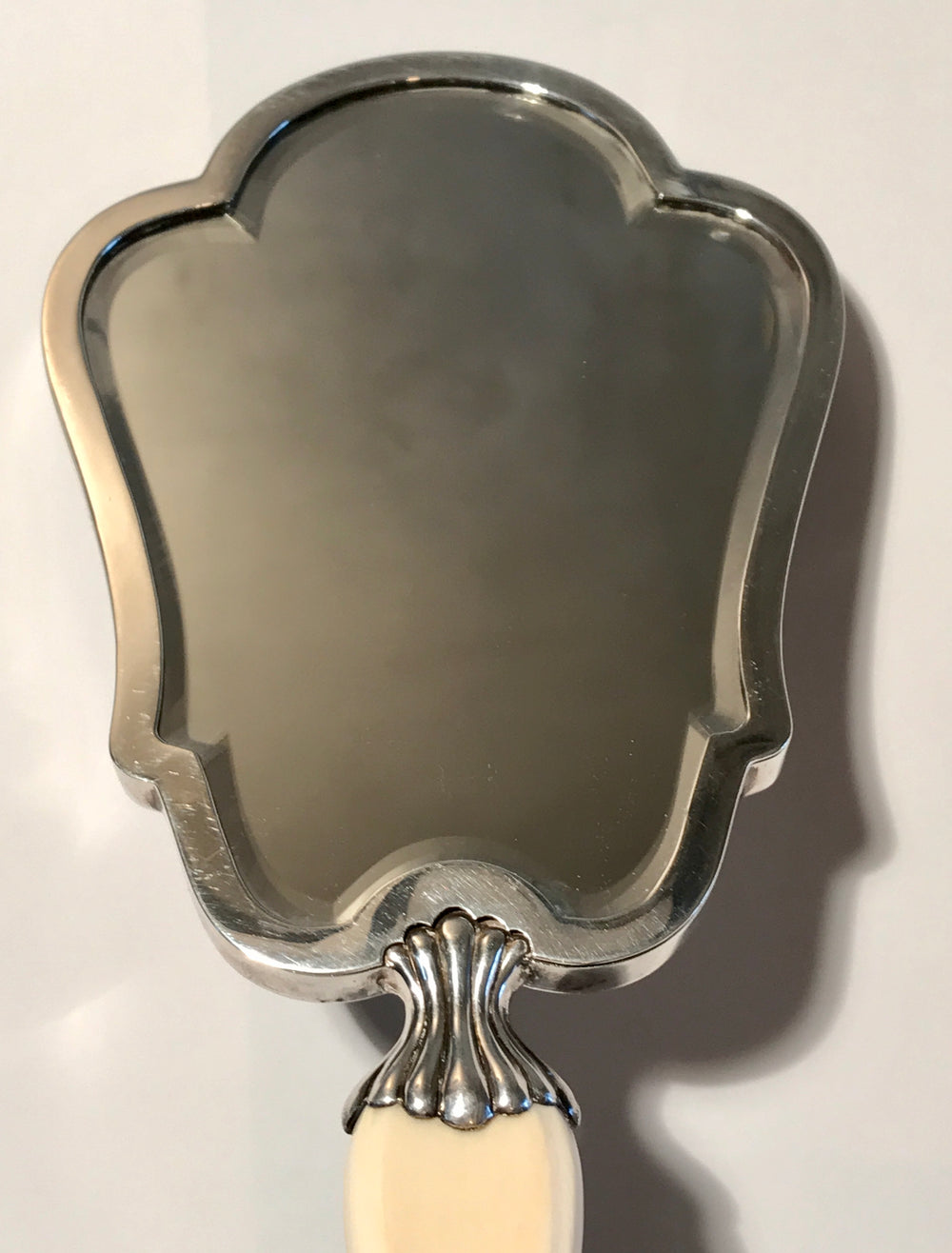Very Elegant Italian silver and Ivory Hand Mirror, Fratelli Cacchione, Milan, Mid 20th century