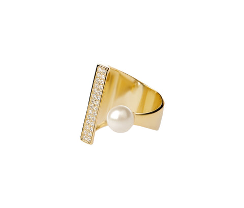 Silver Ring With a Pearl and 7 Crystals
