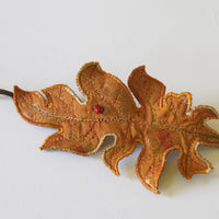 Acanthus Leaf Bun Wrap Botanical Accessory