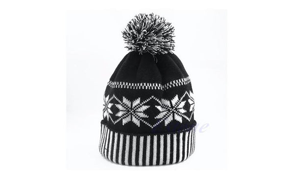 EMPOWER Snowflake Black&White Beanie Winter Hat