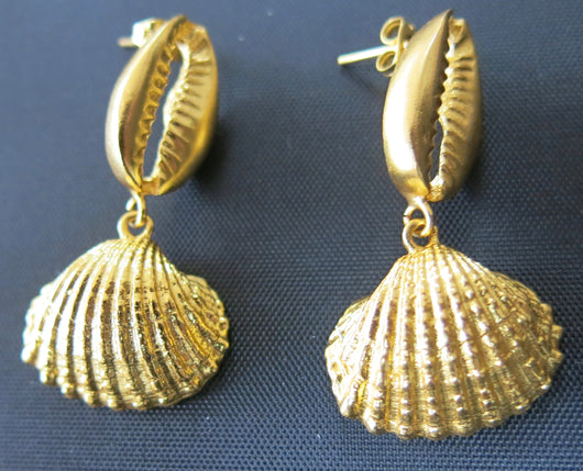 Ottoman Hands Shell Drop Earrings