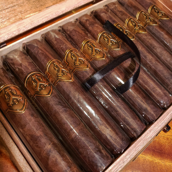 ADVentura Cigars - The Royal Return