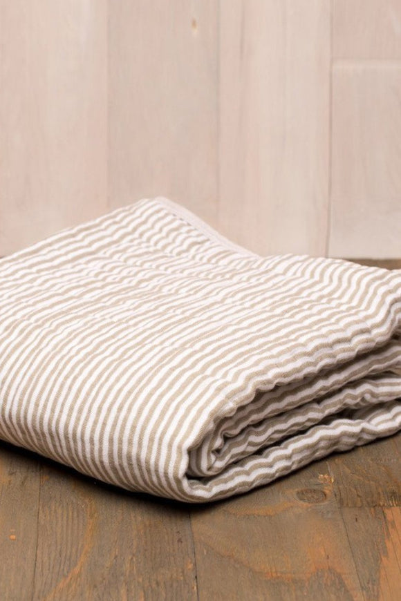 grey-stripe-quilt