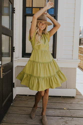 Green mom dress for fall | ROOLEE