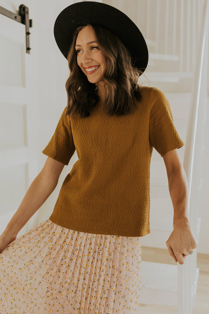 Boxy top for spring outfits | ROOLEE