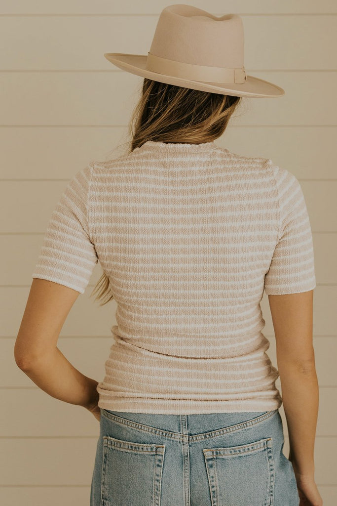 Simple stripe tees for spring | ROOLEE