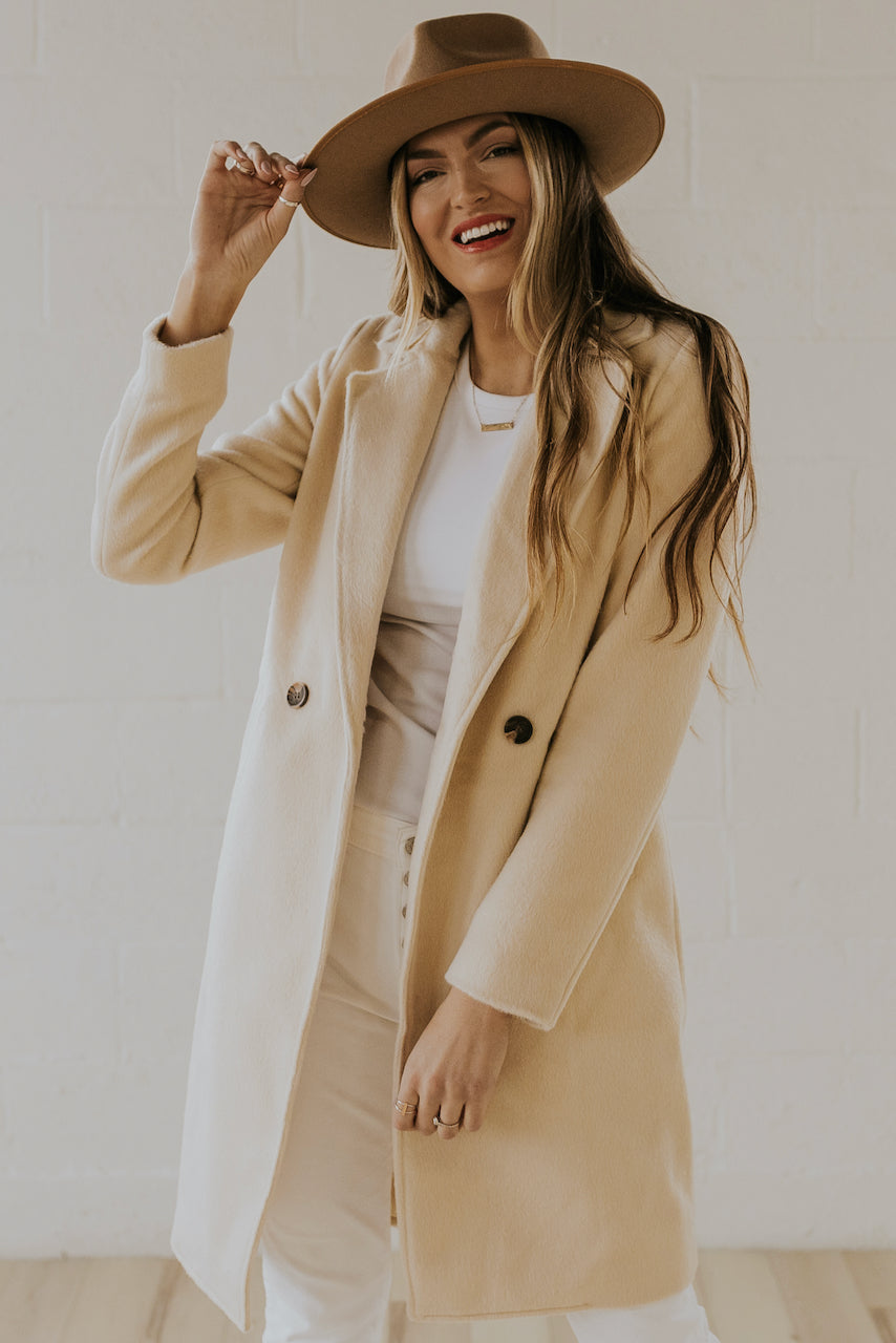 White Button Coat | ROOLEE