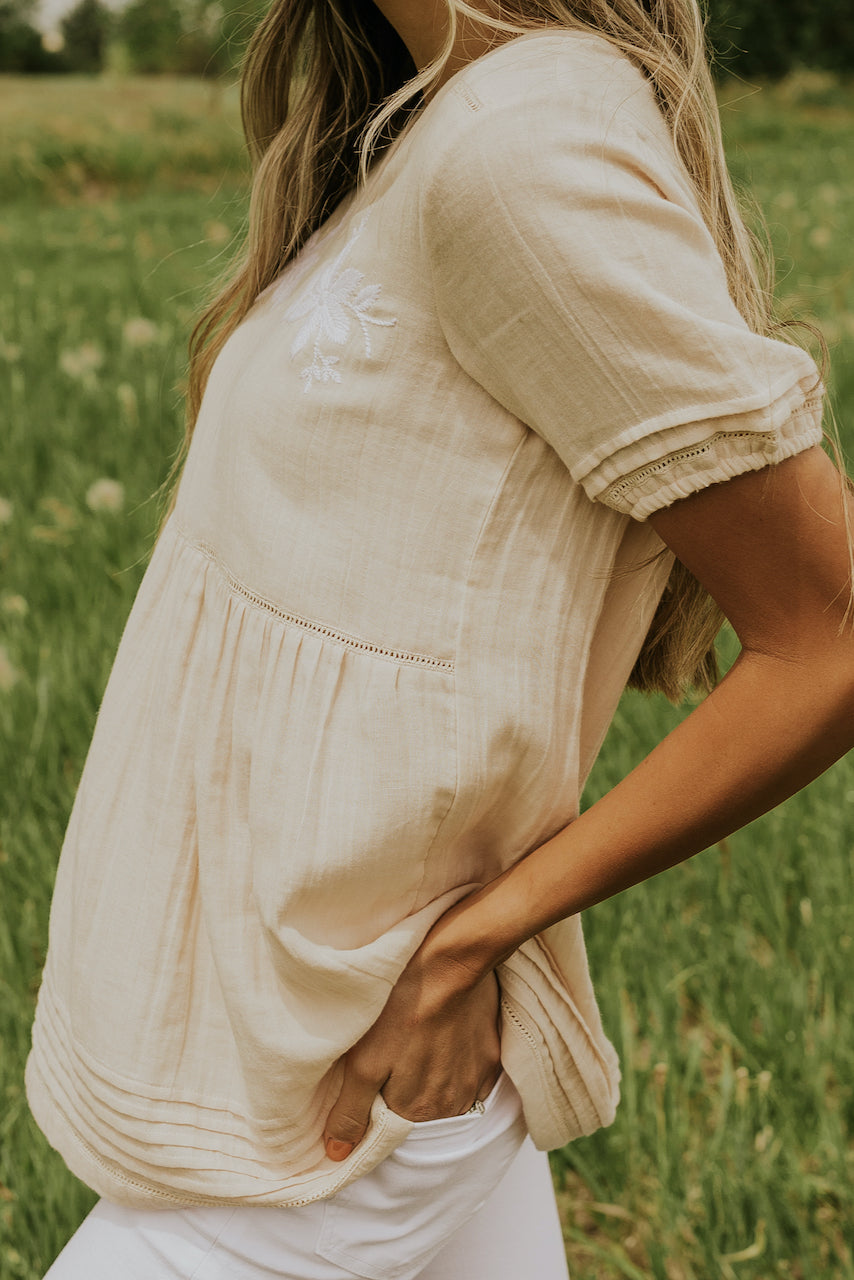 Short sleeve crepe cream blouses | ROOLEE