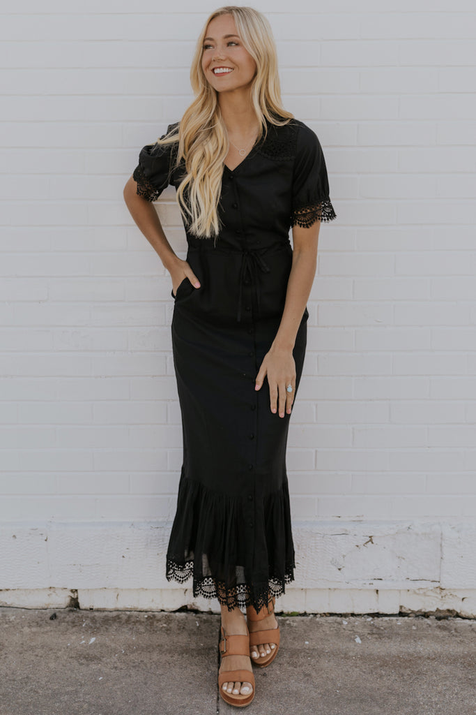 Black v neck lace dresses | ROOLEE