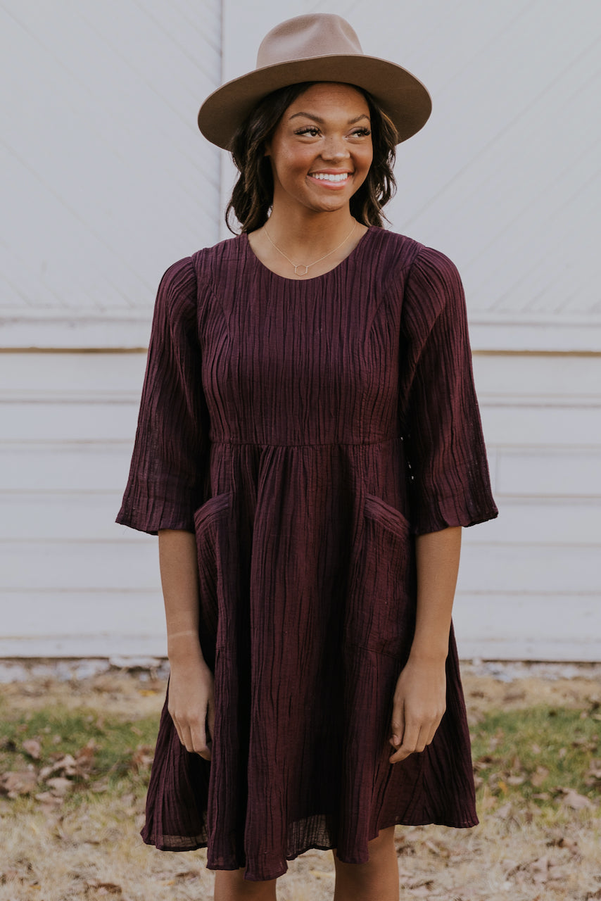 Cute and modest fall nursing friendly dress | ROOLEE