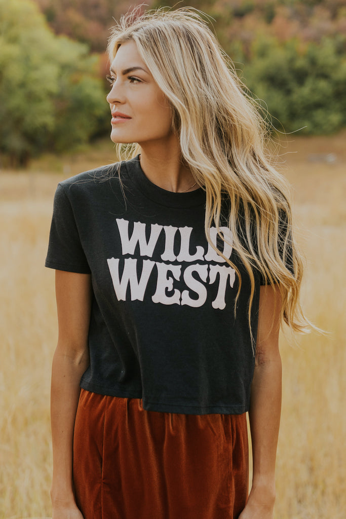 Cute graphic tee | ROOLEE