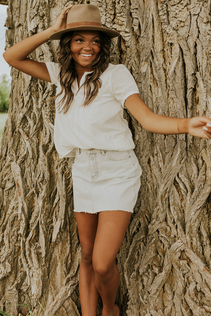Neutral women's summer outfits | ROOLEE