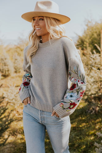 Quilo Floral Embroidered Sweater