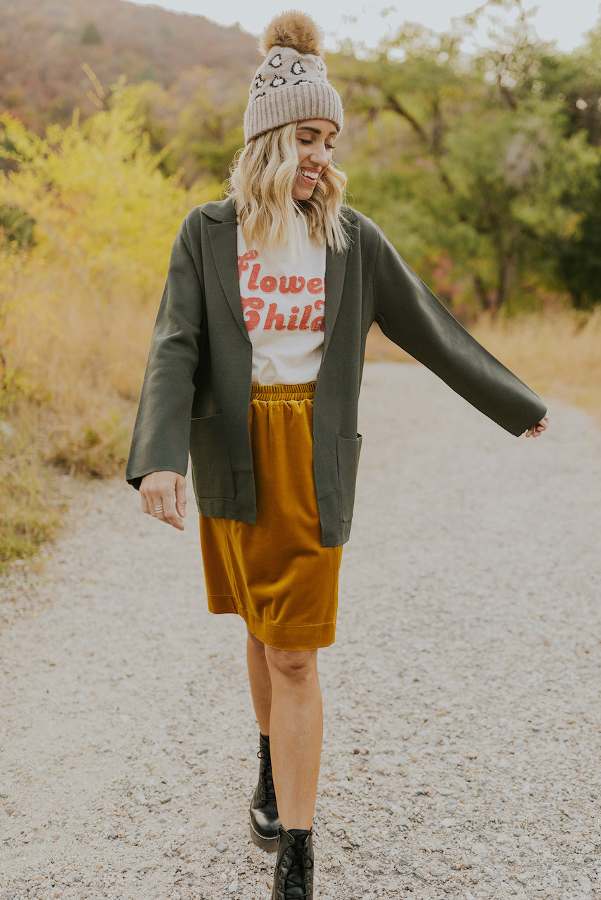 How to style a skirt and graphic tee | ROOLEE