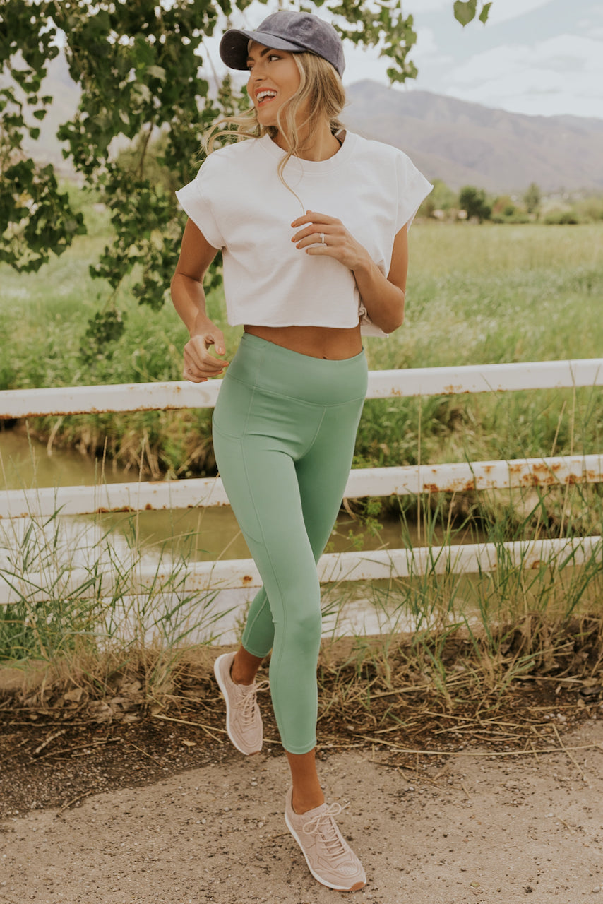 Women's Athleisure Outfit | ROOLEE