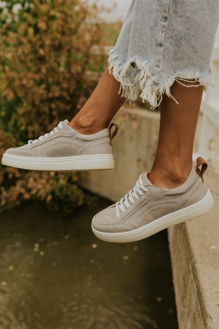 Grey textured sneakers | ROOLEE