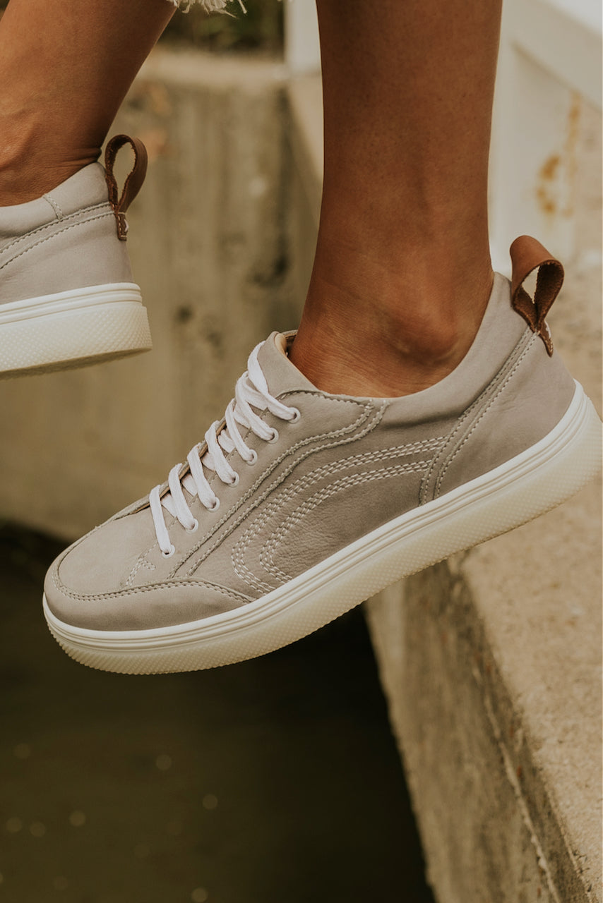 Grey laced tennis shoes | ROOLE