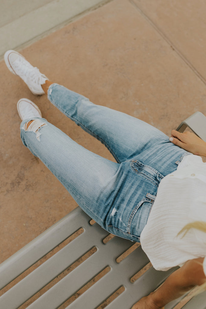 Arcade Distressed Crop Jeans