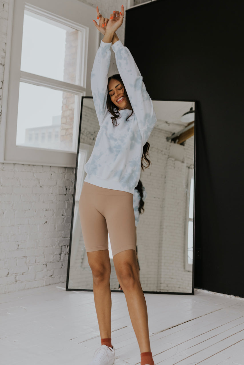 Blue tie dye oversized pullover | ROOLEE