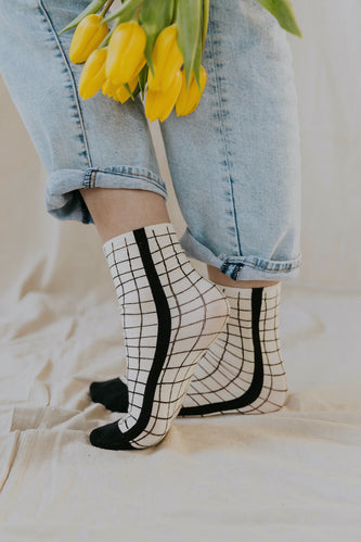 Stay on the Grid Socks