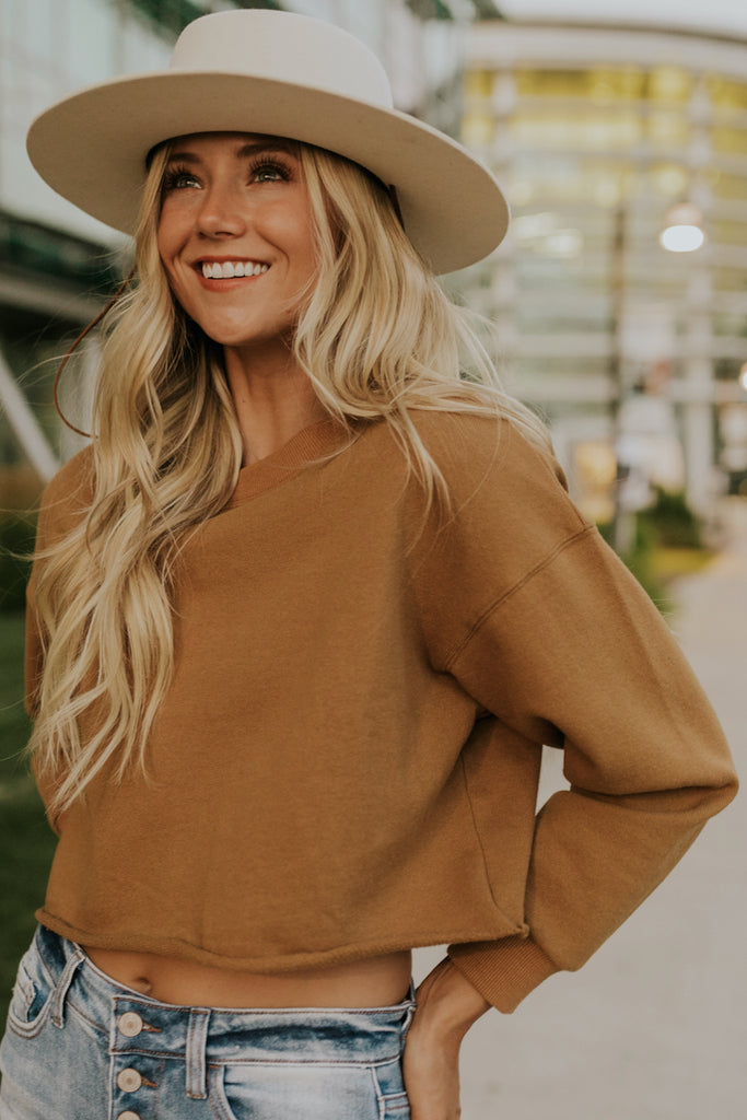 Cropped brown pullover | ROOLEE
