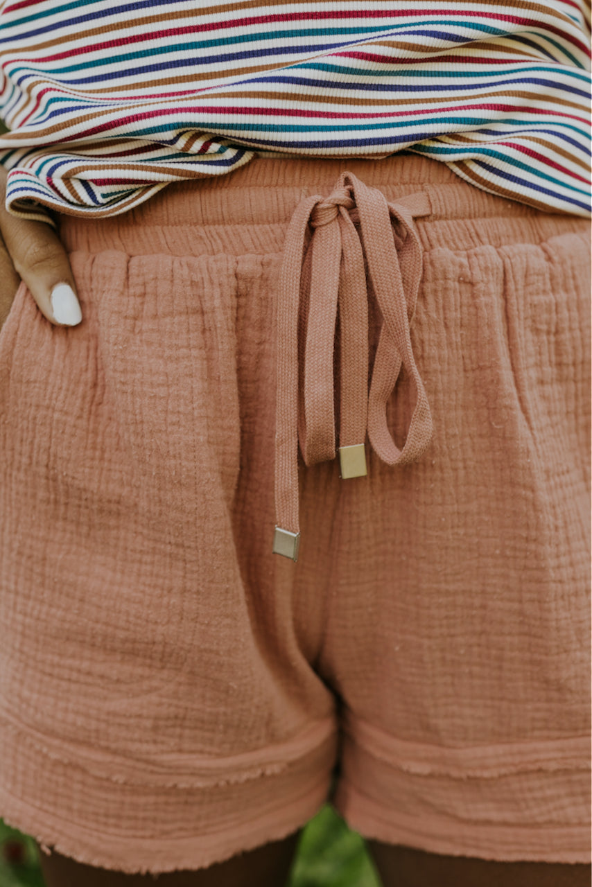 blush textured drawstring shorts | ROOLEE