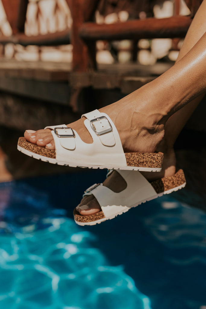 Best sandals for the beach | ROOLEE