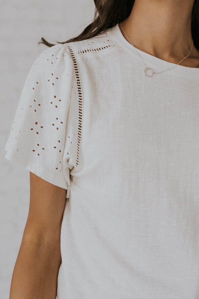 White simple detail tops | ROOLEE