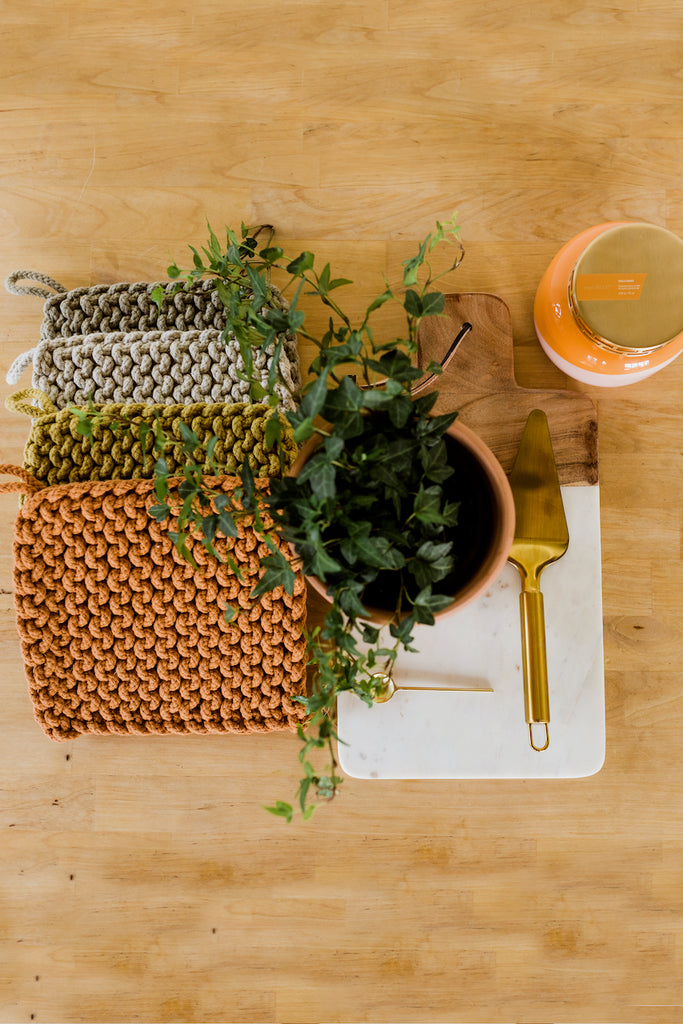 Neutral and minimal pot holders | ROOLEE
