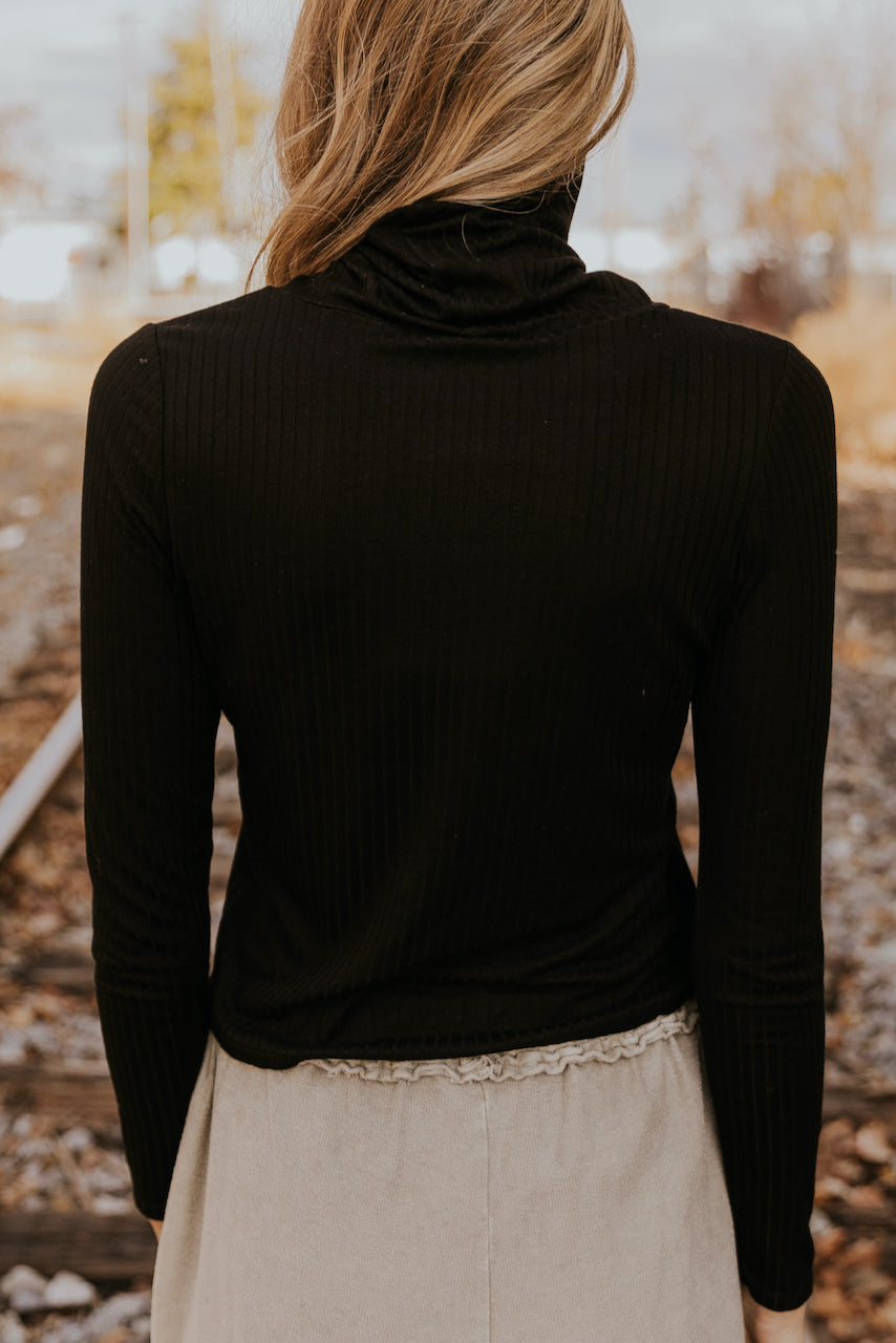 Face mask black turtleneck tops | ROOLEE
