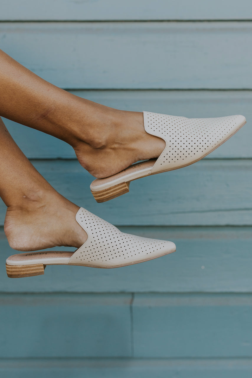 White pointed mules for fall | ROOLEE