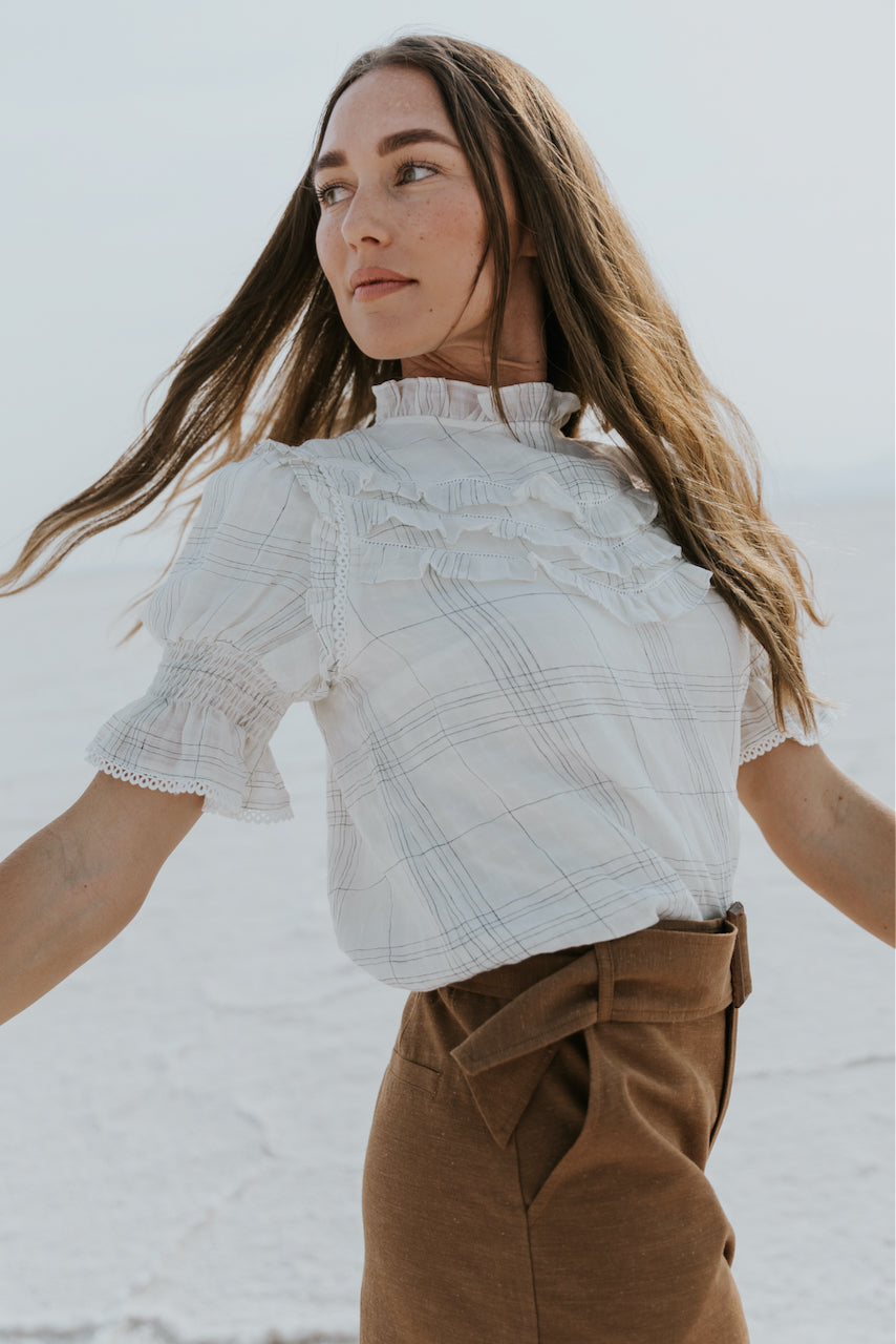 Short sleeve white plaid ruffle top | ROOLEE