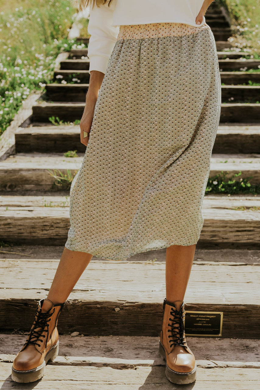 Summer skirts to wear in fall | ROOLEE