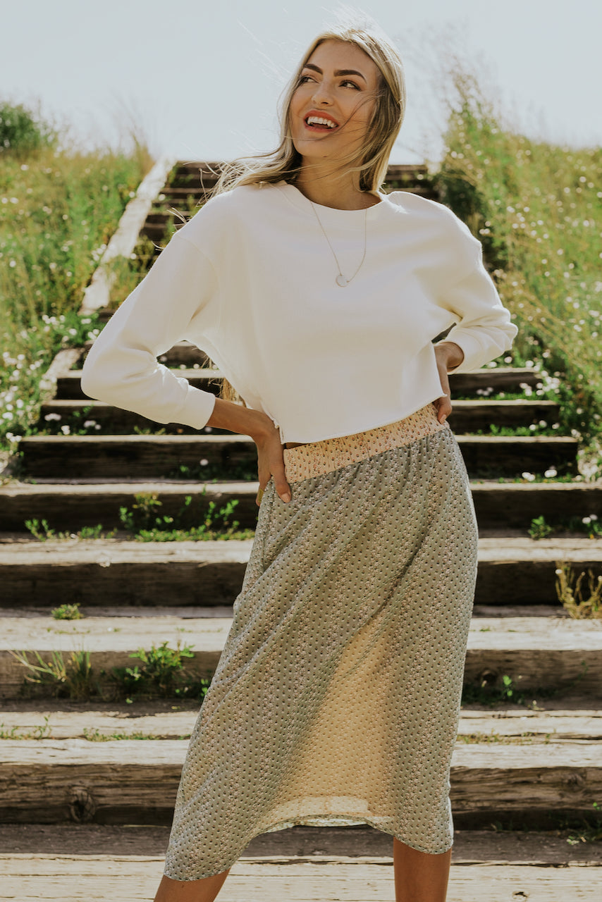 Sweater and skirts for fall | ROOLEE