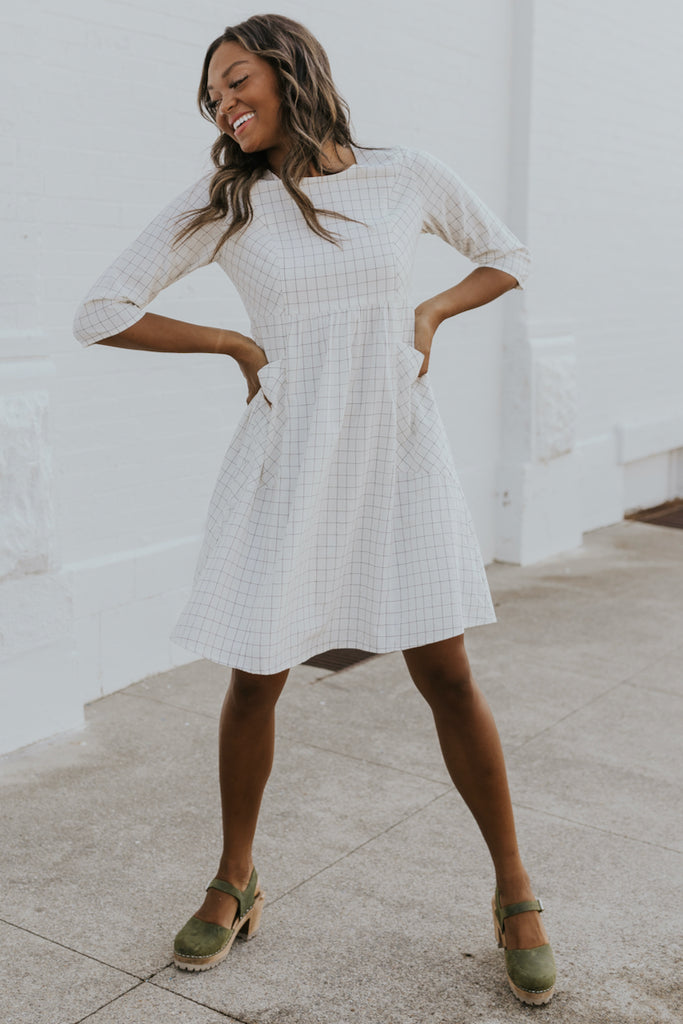 Simple white dresses for moms | ROOLEE