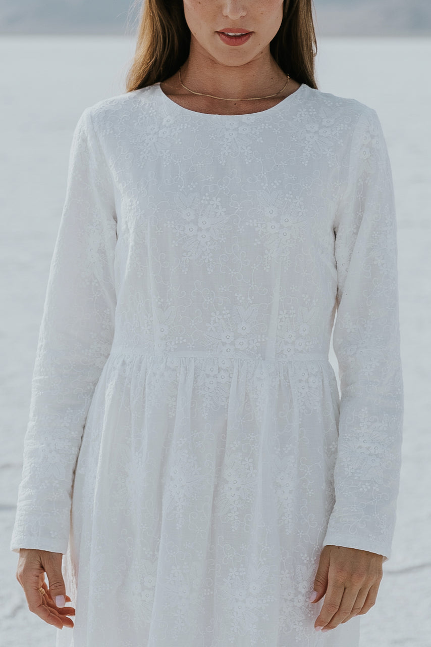 Eyelet dress with white details | ROOLEE