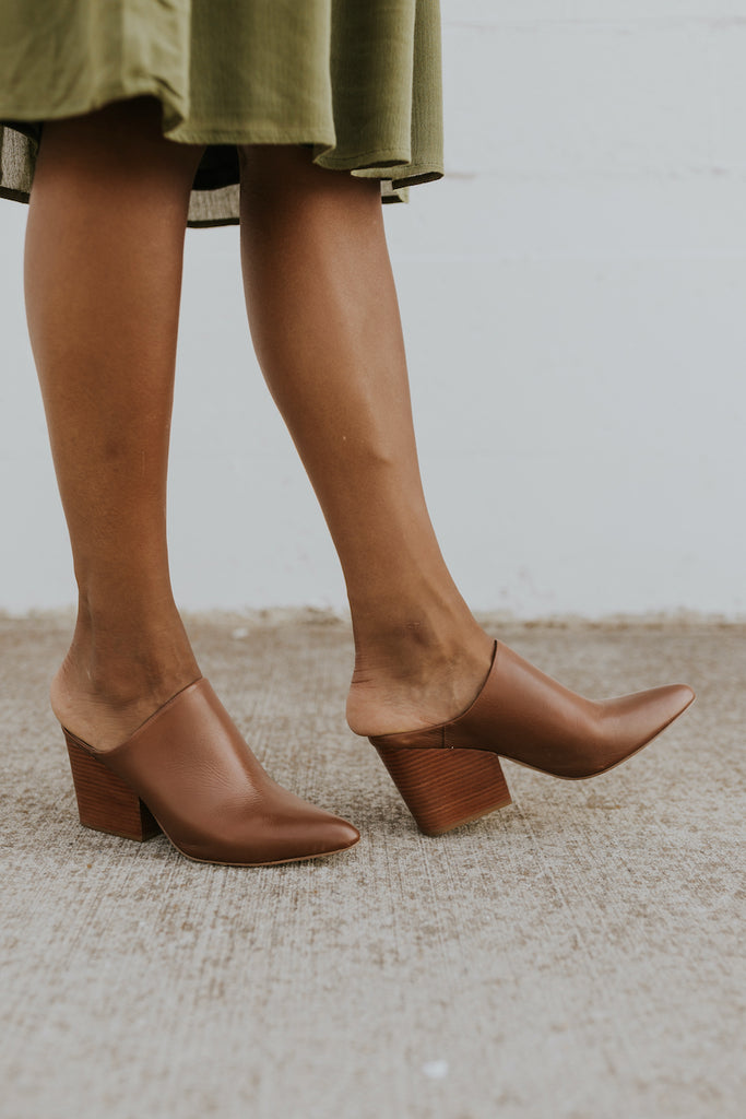 Chunky heeled shoes for fall | ROOLEE