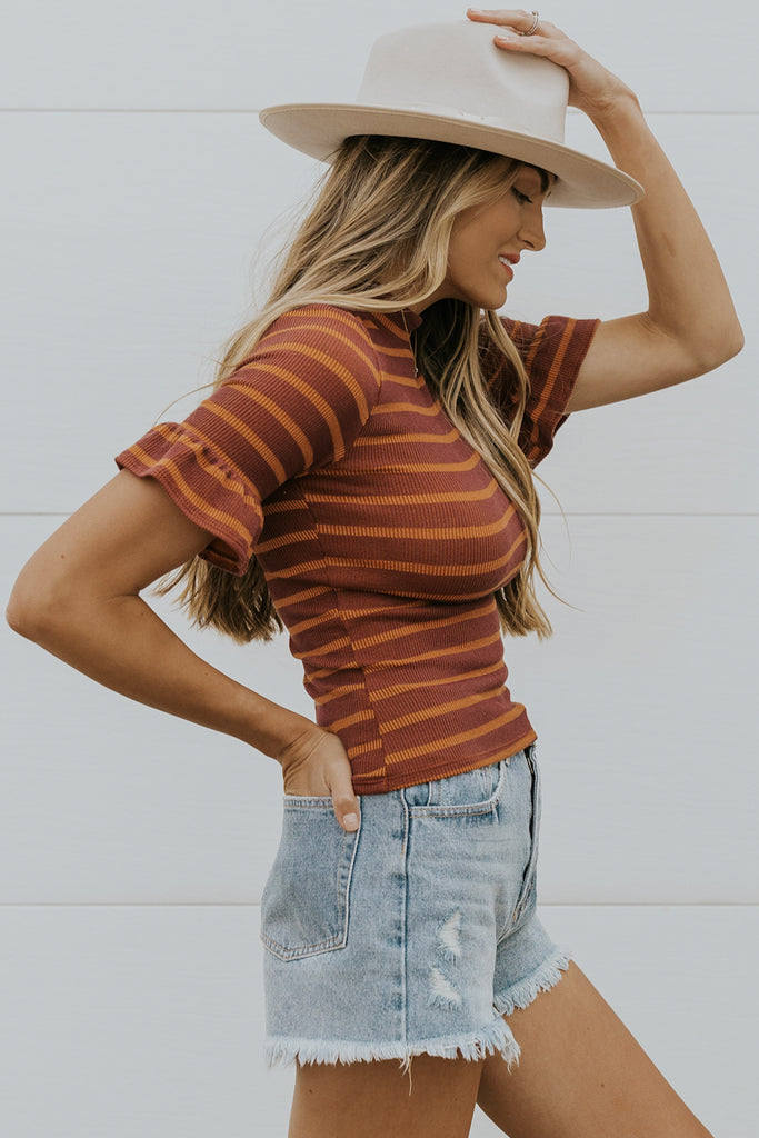 Cozy Rust Stripe Layering Top Ideas | ROOLEE