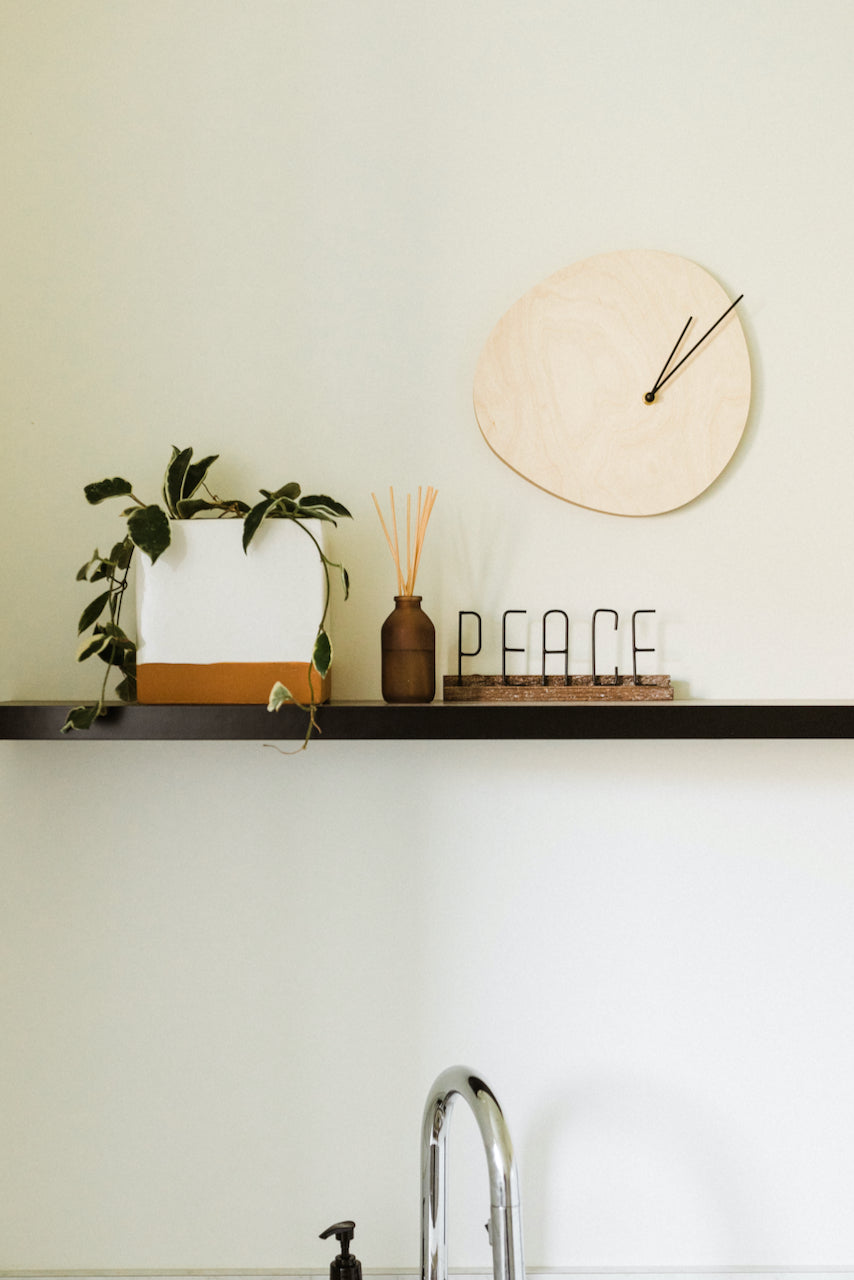Peace metal mantel decor | ROOLEE