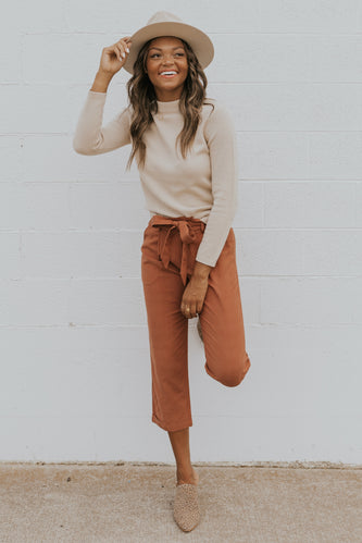 Cozy fall sweaters for the business woman | ROOLEE